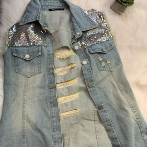 Distressed denim vest with sequins Small